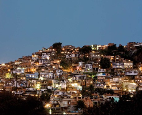 med_hd_favela_night-copie-jpg