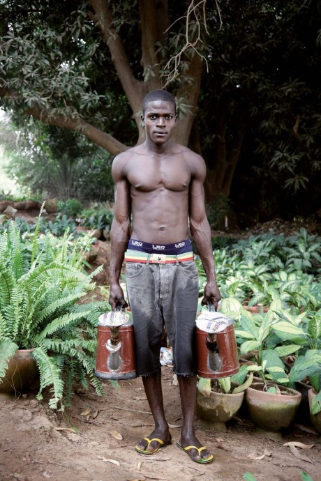 Azize / Vegetable garden / Niamey 2009 © Nicola Lo Calzo