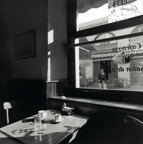 Salón de té, Montevideo, Uruguay, 1993 by Mario Algaze